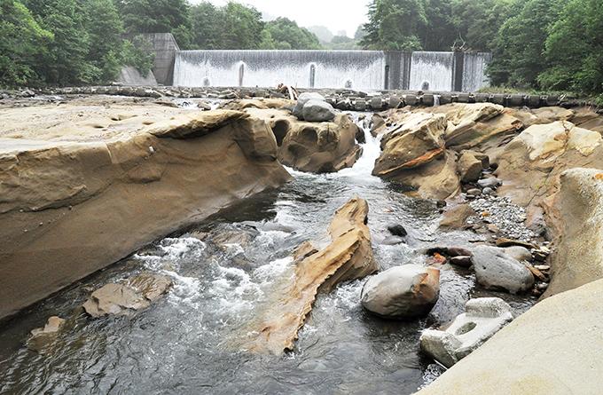 砂防ダムの下流でも災害が多発することが分かった。