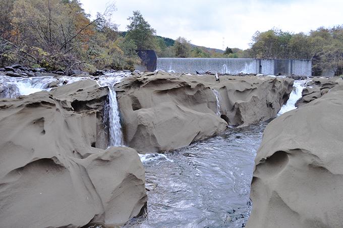 2010-11-02・加工済・砂蘭部川2号砂防ダム直下・DSC_0163