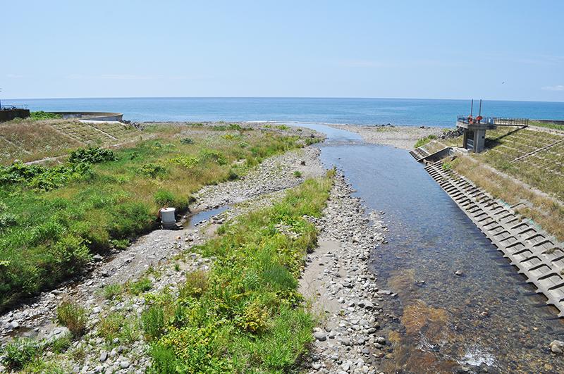 ①・2011-08-03・加工済・臼別川・河口・DSC_0016