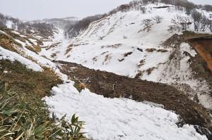 三泊二股川の支流で工事は行われていた。2012年03月25日