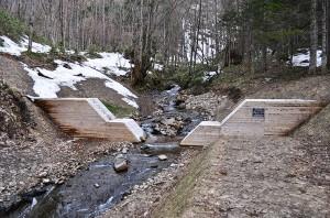 その上に第二の治山ダムがつくられていた。