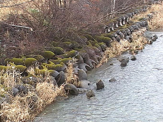 2003-04-25?・加工済・●被災前後・沙流川水系千露露川-001