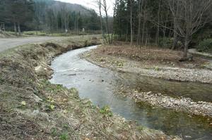 2004-04-19-A・加工済・ポントワルベツ川A 127