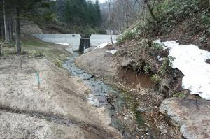 治山ダムはさらに上流まで作られている。