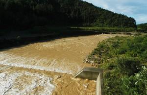 2004-08-20・加工済・泥水・八木川・004