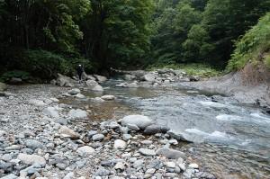 巨石の多い川だ。