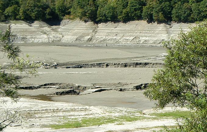 2006-09-25・加工済・トリム・穂別ダム・水抜き・泥とヘドロ・水質劣化の姿 015