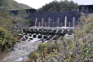 2010-10-10・加工済・遊楽部川・上八雲・ポンセイヨウベツ川・巨大砂防ダム・DSC_0061