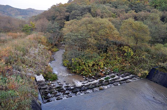 2010-10-10・加工済・遊楽部川・上八雲・ポンセイヨウベツ川・巨大砂防ダム・DSC_0156