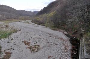 2011-11-10・加工済・厚沢部川支流古佐内川・水が無くなっていた・DSC_0242