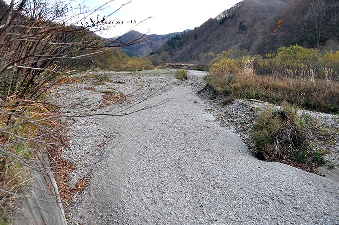 2011-11-10・加工済・厚沢部川支流古佐内川・水が無くなっていた・DSC_0288