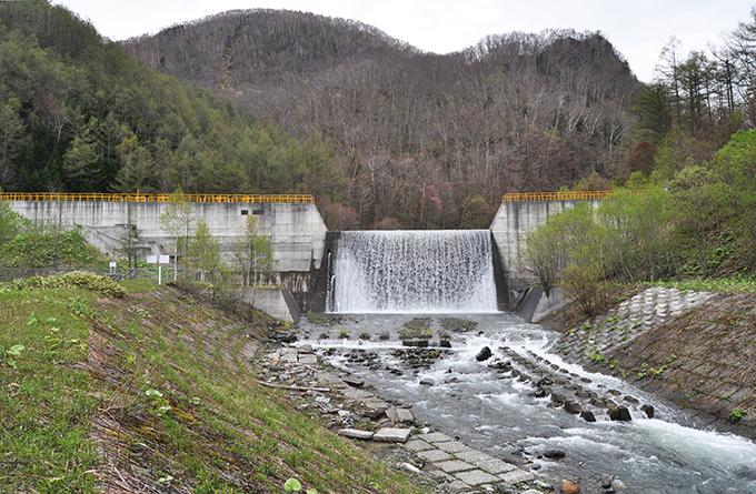 岡春部川砂防ダム。