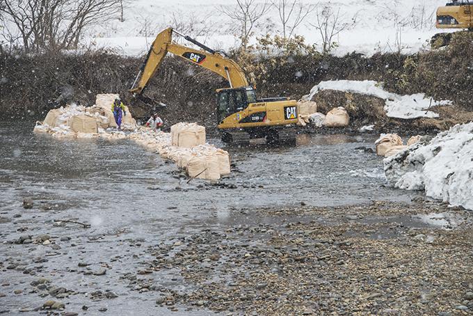 2015-02-24・加工済・遊楽部川・清流建岩橋下流の工事現場・KAZ_0008