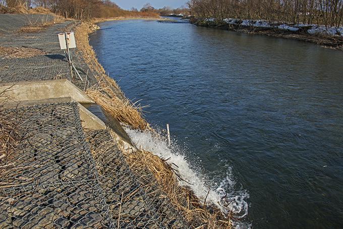 2016-03-27・加工済・PAC濁水処理水は遊楽部川へ排水される・KAZ_0327