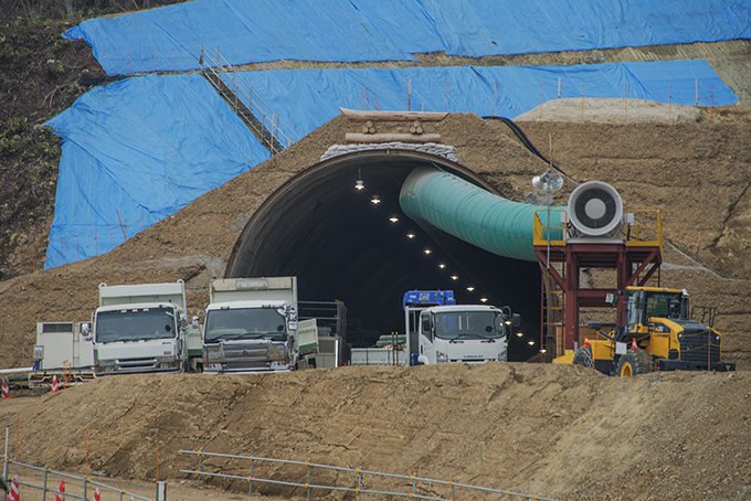 2016-04-07・加工済・立岩トンネル掘削工事入口・KAZ_0078