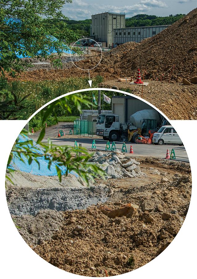 有害重金属含有の掘削土のずさんな管理をよく見ていただきたい。遮水シートも防水シートもないところに置いている。